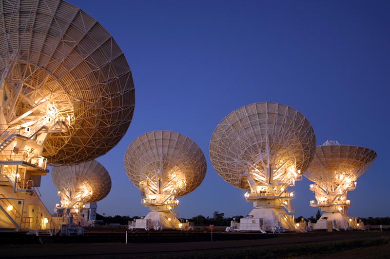 The Australia Telescope Compact Array (ATCA) in Narrabri, New South Wales, operated by CSIRO. Image Credit: David Smyth and CSIRO.