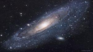 The Andromeda galaxy, a beautiful example of disk galaxy. Image credits: APOD.