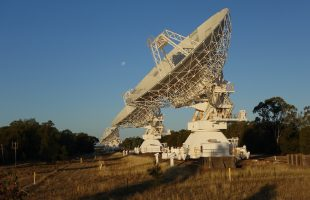 Australian researchers have developed ultra-accurate synchronisation tech for largest telescope
